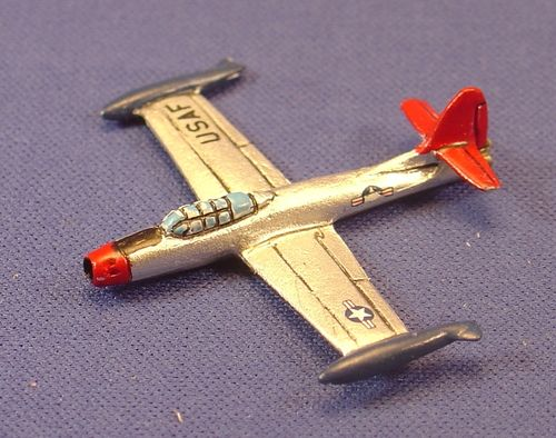 F-84 Thunderstreak (2)